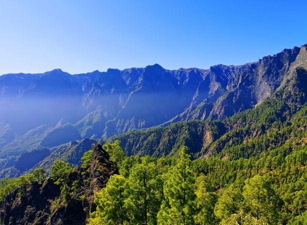 Caldera de Taburiente -kansallispuiston upeita maisemia La Palmalla.