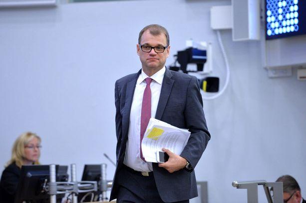 Sipilän valttikortit eivät riitä hallituksen kaatamiseen, kirjoittaa Juha Ristamäki.