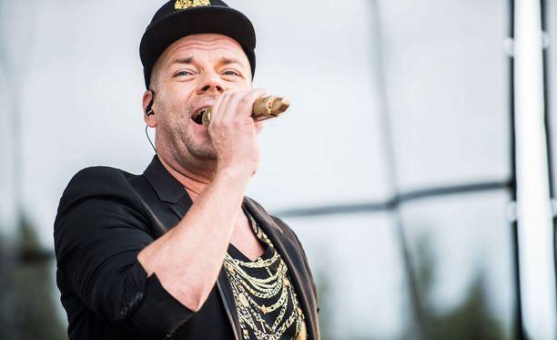 Jari Sillanpää ei esiinny puolustusvoimien konserteissa.