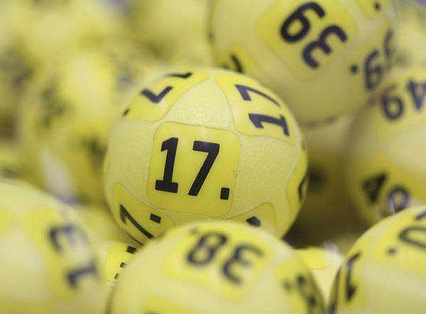 Perjantaina Eurojackpotissa oli jaossa peräti 90 miljoonaa euroa.