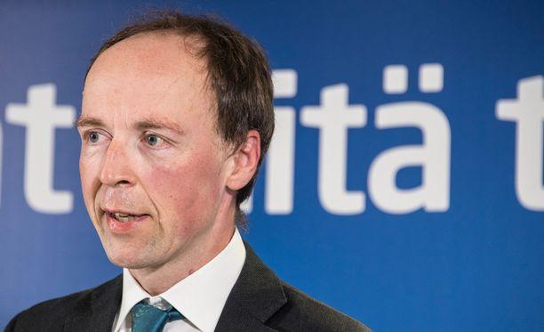 Perussuomalaisten puheenjohtajaksi tavoitteleva Jussi Halla-aho kertoi Tampereella, että hänellä ei ole vielä ollut riitaa itsensä kanssa.