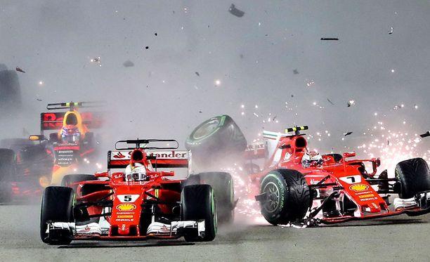 Ferrarien matka päättyi Singaporessa lyhyeen.