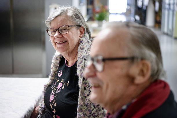– Olisi hyvä tarkistaa omakin muisti säännöllisesti, toteaa Kurt Eklund, jonka avopuoliso Ulla asuu Sateenkaaressa.