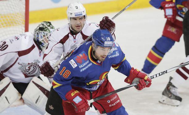 Riian Dinamo antoi Jokereille poikittaista mailaa.