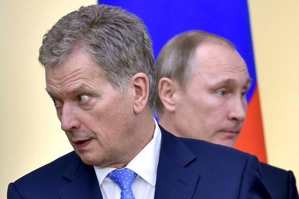 Tasavallan presidentti Sauli Niinistö tapasi Venäjän presidentti Vladimir Putinin Moskovassa maaliskuussa. Presidentit keskustelivat muun muassa Sallan ja Raja-Joosepin rajanylityspaikkojen liikenteen rajoittamisesta.
