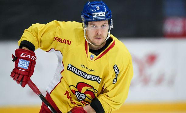 Niklas Hagman etsii uutta seuraa.