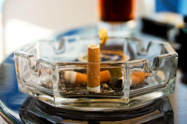 Keuhkosyöpä harvinaistuu miehillä, mutta yleistyy naisilla.