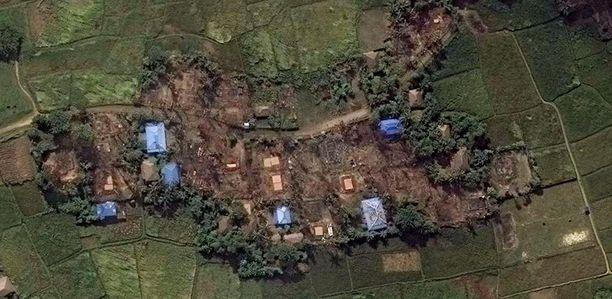 Human Rights Watchin mukaan satelliittikuvista näkee, että lukuisista kylistä on poltettu yli tuhat taloa.