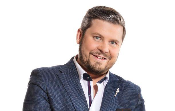Janne Kataja nähdään Napakympin ohjaksissa myös kolmannella kaudella, joka alkaa Nelosella 13. syyskuuta.