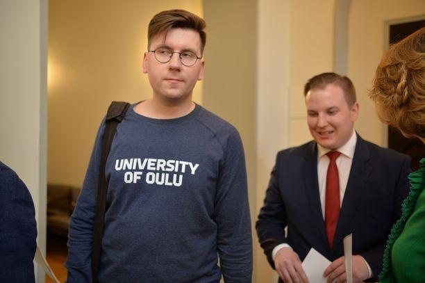 Sebastian Tynkkynen (ps) nousi eduskuntaan.