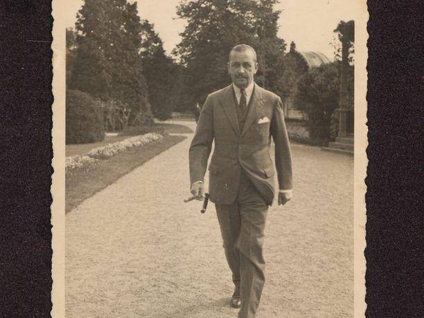 Tämä kuva on otettu 1936 Saksan Bad Wildungenissa, jossa Mannerheim vietti kylpylälomaa.