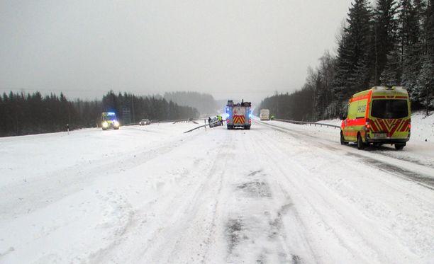 Onnettomuus sattui Vierumäen liittymän kohdalla.