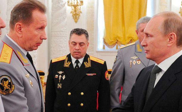 Putin nimitti Zolotovin kansalliskaartin johtoon.