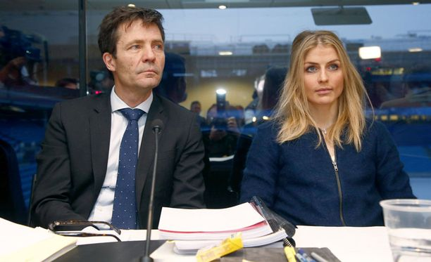 Therese Johaugin dopingtapaus etenee Urheilun kansainväliseen välitystuomioistuimen CAS:n käsittelyyn. Yksi Johaugin avustajista on norjalainen Christian B. Hjor (vas.).