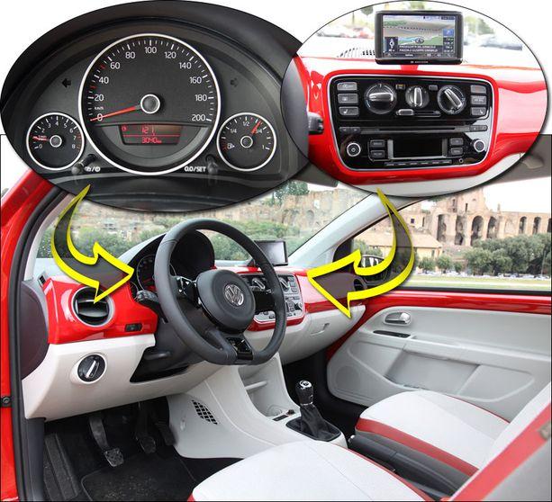 Kojelaudassa ja ratissa on Beetle-ilmettä. Lipan alla oleva mittaristo on selkeä, Maps+more -järjestelmän näyttö on irrotettavissa.