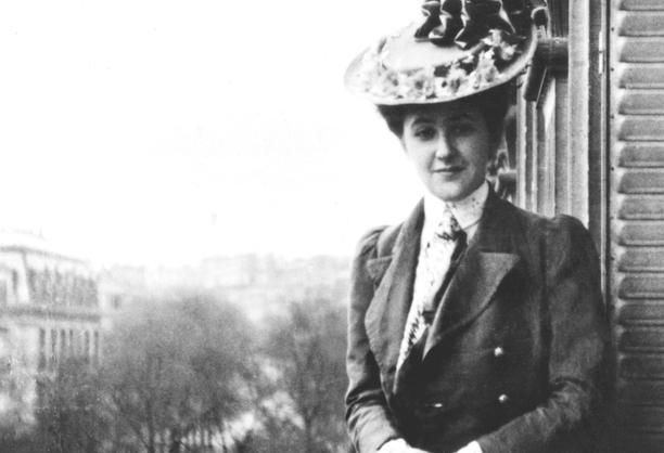 Agatha Christie vietti Pariisissa vuodet 1905-1907 ja haaveili oopperalaulajan urasta.