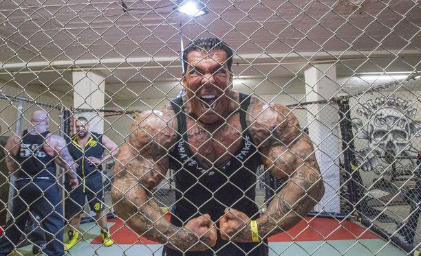 Rich Piana on hurja ilmestys. Hän on kertonut, että aikoo jatkaa steroidien käyttöä lopun elämäänsä.