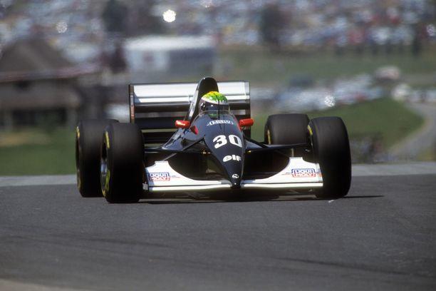 JJ Lehto ajoi Sauberilla pisteille tallin ensimmäisessä kilpailussa.