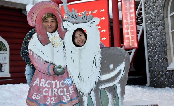 Nickie Ng ja Carrie Cheung nauttivat lomastaan napapiirillä.