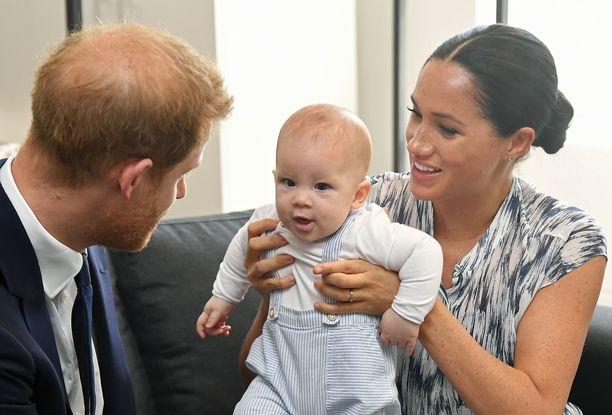 Harry ja Meghan kävivät viime syksynä esittelemässä Archieta Desmond Tutulle vierailullaan Etelä-Afrikassa.
