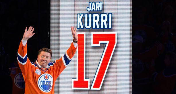 Edmonton Oilers jäädytti Jari Kurrin pelinumeron 17 huhtikuun 6. päivä 2016.