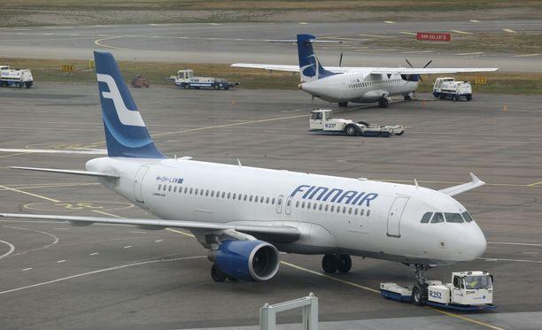 Finnair selvittää syytöstä, jättikö lentoyhtiö 12-vuotiaan Italiaan ilman vanhempiaan.