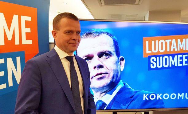 Kokoomuksen puheenjohtaja Petteri Orpo esitteli puolueensa vaaliohjelman kokoomuksen puoluetoimistolla Helsingissä torstaina.