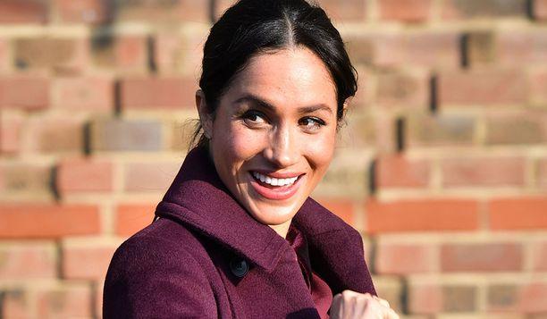 Sussexin herttuatar valitsi asuunsa sointuvan kynsilakan.