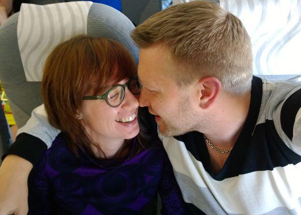 Pia ja Jussi lähtivät romanttiseen Pariisin.