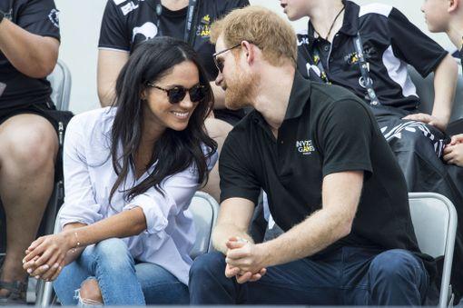 Kensingtonin palatsi vahvisti Marklen ja prinssi Harryn seurustelun marraskuussa 2016.