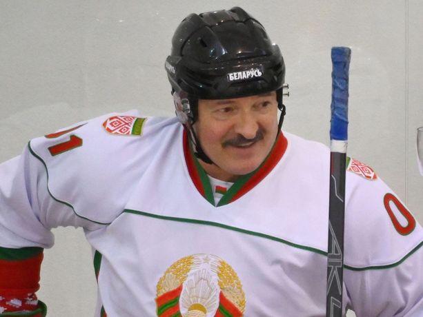 Aleksandr Lukashenko ei näe koronatilanteessa syytä huoleen.