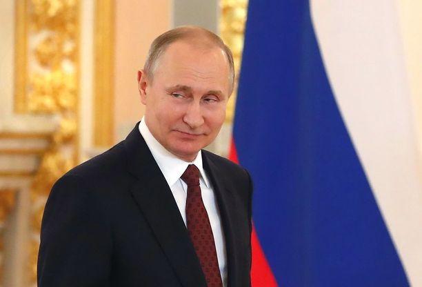Presidentti Vladimir Putin tienasi vain 242 000 euroa.