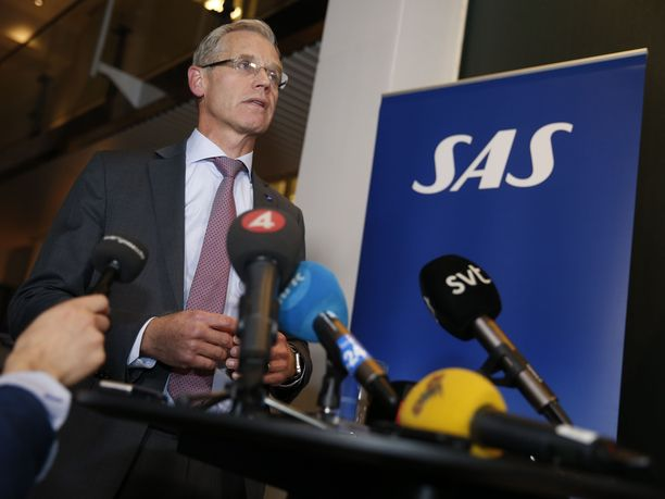 Lentoyhtiö SAS:n toimitusjohtaja Rickard Gustafson arvioi, että lentojen täysimittainen jatkaminen vie ainakin vuorokauden.