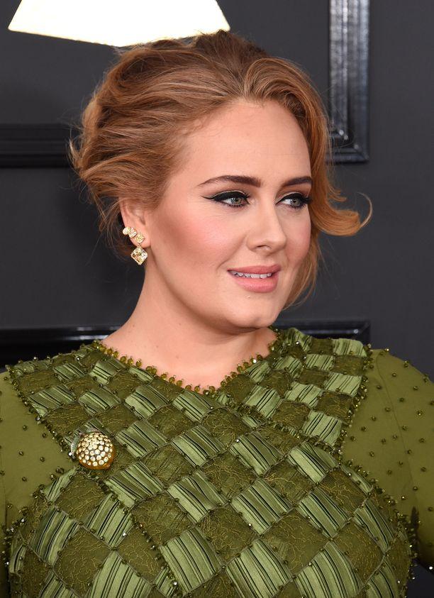 Adele on asettunut poikansa kanssa Los Angelesiin.