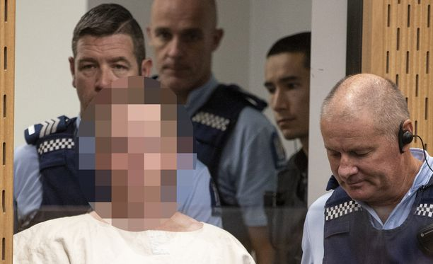 Brenton Tarrant on Uuden-Seelannin poliisin hallussa. Tuomioistuin kielsi epäillyn kuvan julkaisemisen sellaisenaan.