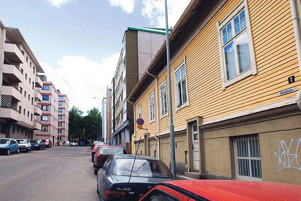 Nainen joutui raiskauksen uhriksi Ristikadulla Pyynikillä sijaitsevan kerrostalon portaikossa.