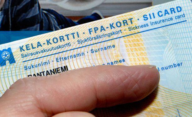 Kela-kortilla myönnettävät Kela-korvaukset ovat HS:n mukaan loppumassa uuden sote-järjestelmän myötä.