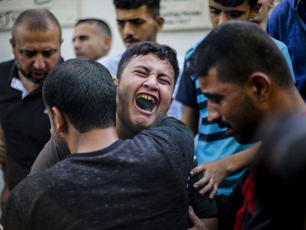 Siviilejä kuoli jälleen ilmaiskussa Gazassa.