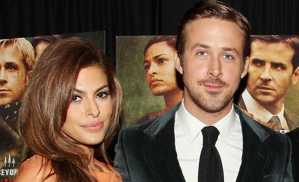 Eva Mendes ja Ryan Gosling ovat pitäneet yhtä viitisen vuotta.