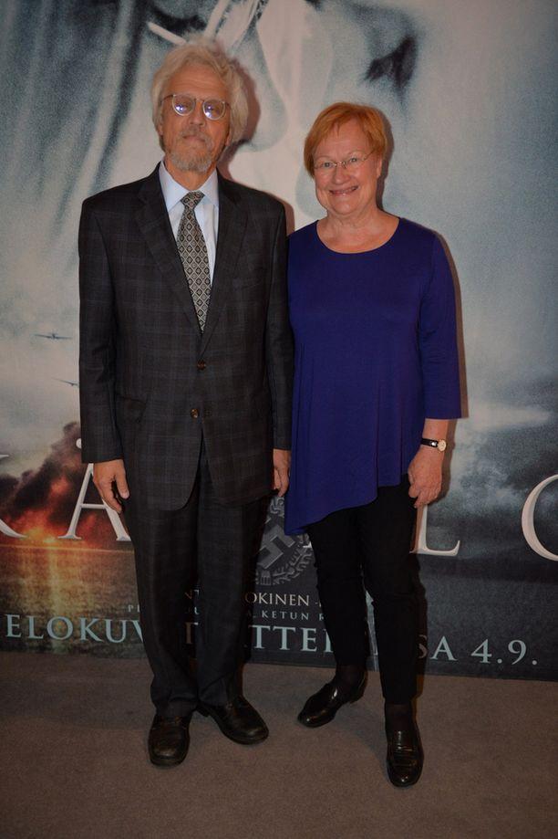 Pentti Arajärvi ja Tarja Halonen saapuivat tukemaan suomalaista elokuvaa.