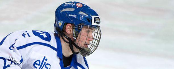Artturi Lehkonen kuuluu Suomen joukkueen konkaripelaajiin.