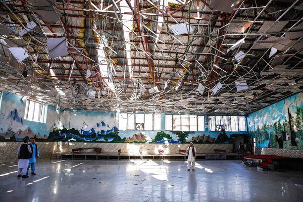 Pommi tappoi kymmeniä, haavoitti noin 200 ihmistä ja vahingoitti pahoin rakennusta.