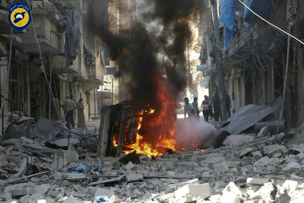 Venäjä on pommittanut Aleppossa myös siviilikohteita. Sunnuntaina pommitus jatkui kolmen päivän tulitauon jälkeen. Kuva syyskuun lopusta.