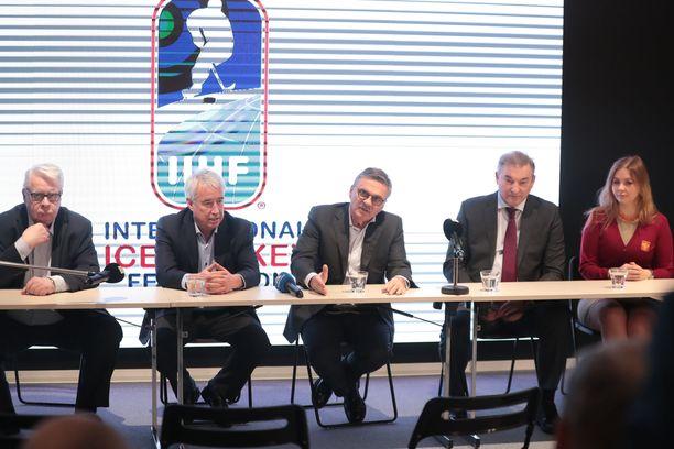 Kansainvälisen jääkiekkoliiton johtohahmot kokoustivat Tampereella.