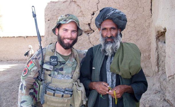 Golsteyn palveli Afganistanissa vuonna 2010. Hän oli silloin arvoltaan kapteeni.