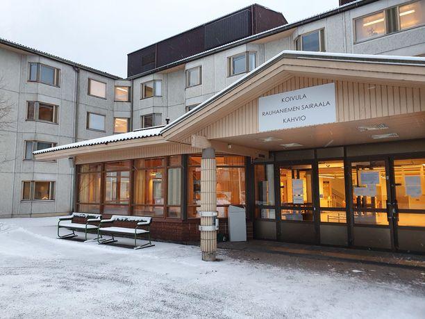 Rauhaniemen sairaala Tampereella joutui pahasti koronaepidemian kouriin.