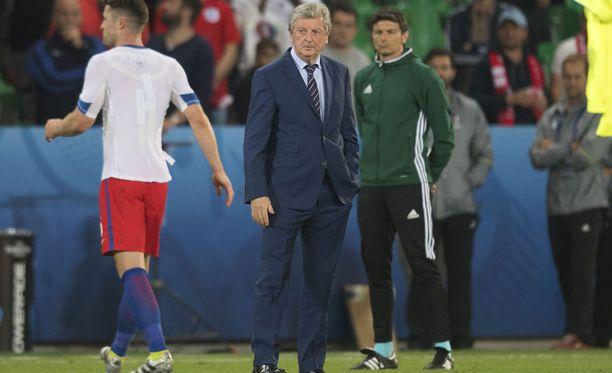 Roy Hodgsonin luotsaama Englanti löi päätä seinään Slovakiaa vastaan.