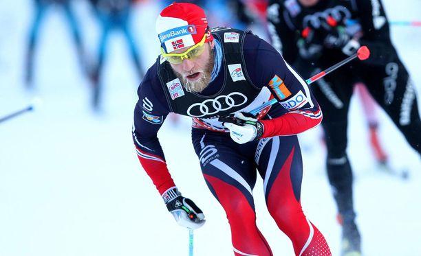 Martin Johnsrud Sundby lähtee tänään Tour de Skin päätösetapille toiselta sijalta.