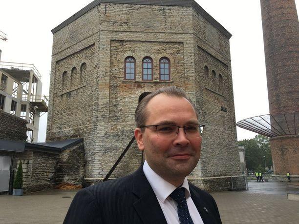 Jussi Niinistö osallistui EU-kokouksessa torstaina kybersotaharjoitukseen. Niinistön mukaan Nato-maat pohtivat, laukaisisiko kyberhyökkäys viidennen artiklan, jonka nojalla Nato-maiden tulisi tulla toistensa apuun.
