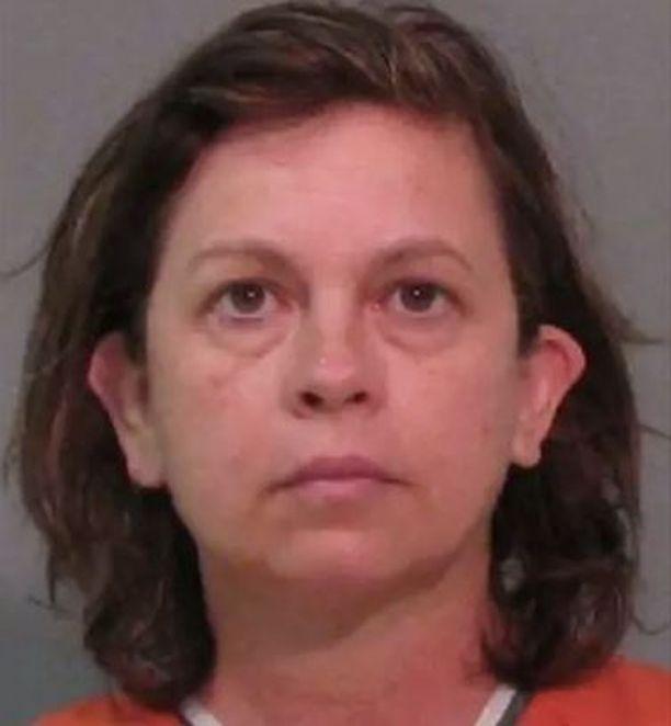 Lana Clayton tunnusti kuulusteluissa tekonsa.